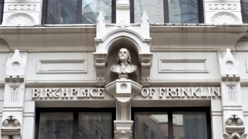 Benjamin Franklin Birthplace Site bust - Boston - History's Homes