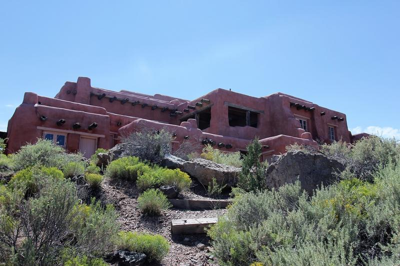 Painted Desert Inn side view - Arizona - History's Homes