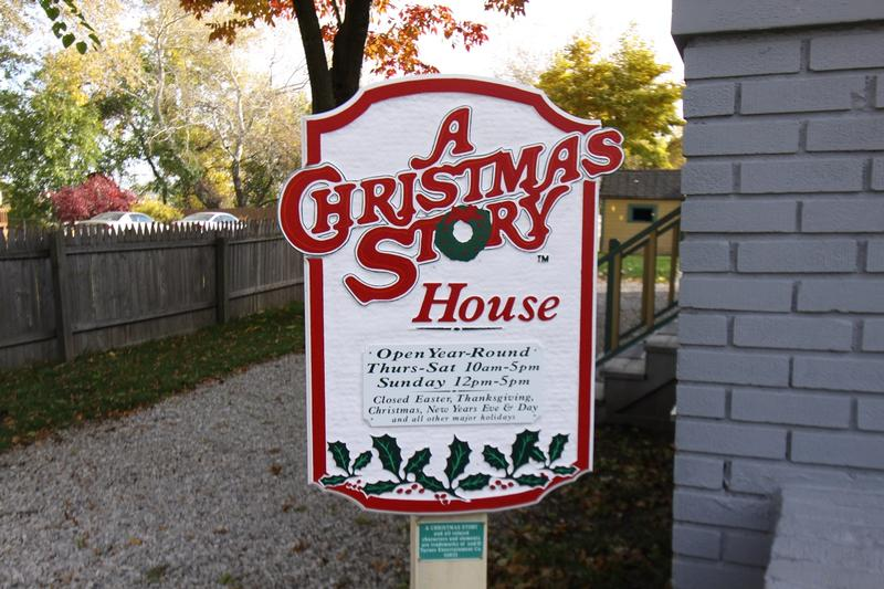 A Christmas Story House sign - History's Homes