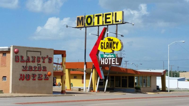 The Glancy Motor Hotel - Clinton - History's Homes