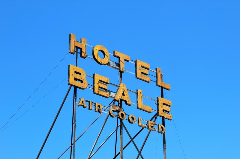 Hotel Beale sign - Kingman - History's Homes