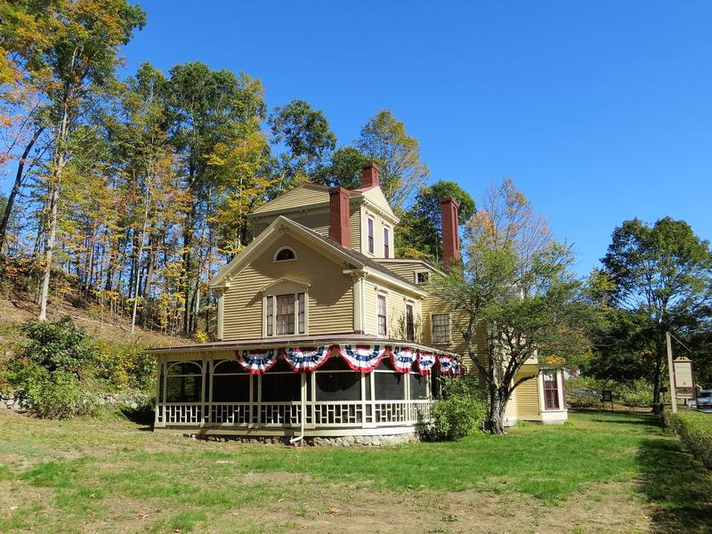 The Wayside side view - Concord - History's Homes