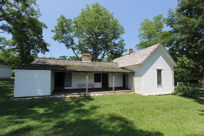 Jesse James Farm - Kearney - History's Homes