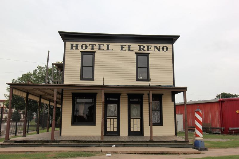 Hotel El Reno side view - El Reno - History's Homes