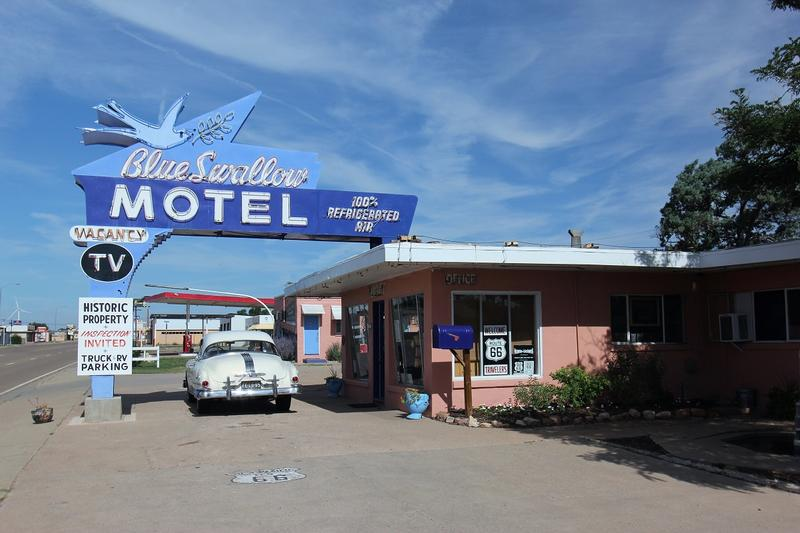 Blue Swallow Motel Route 66 - Tucumcari - History's Homes