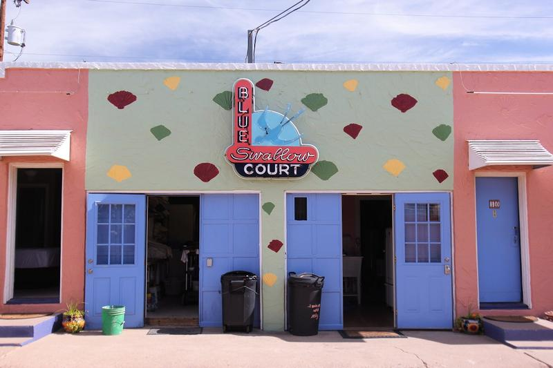 Blue Swallow Motel court - Tucumcari - History's Homes