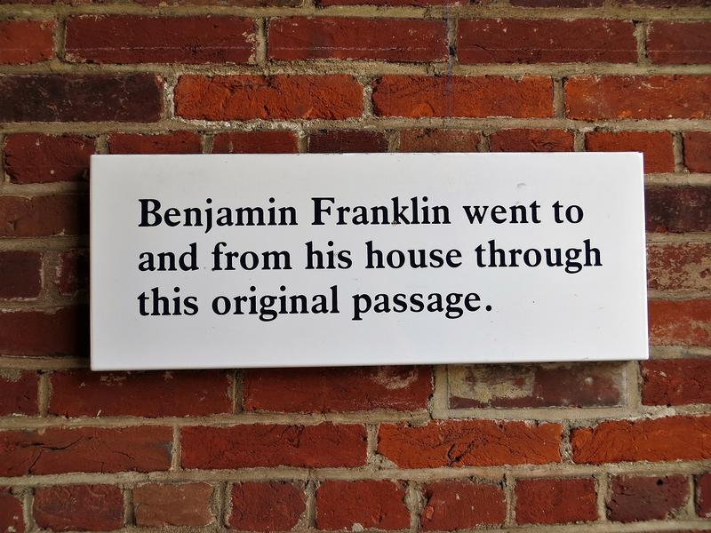 Franklin Court passage sign - Philadelphia - History's Homes
