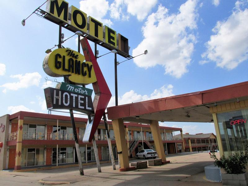 The Glancy Motor Hotel view #2 - Clinton - History's Homes