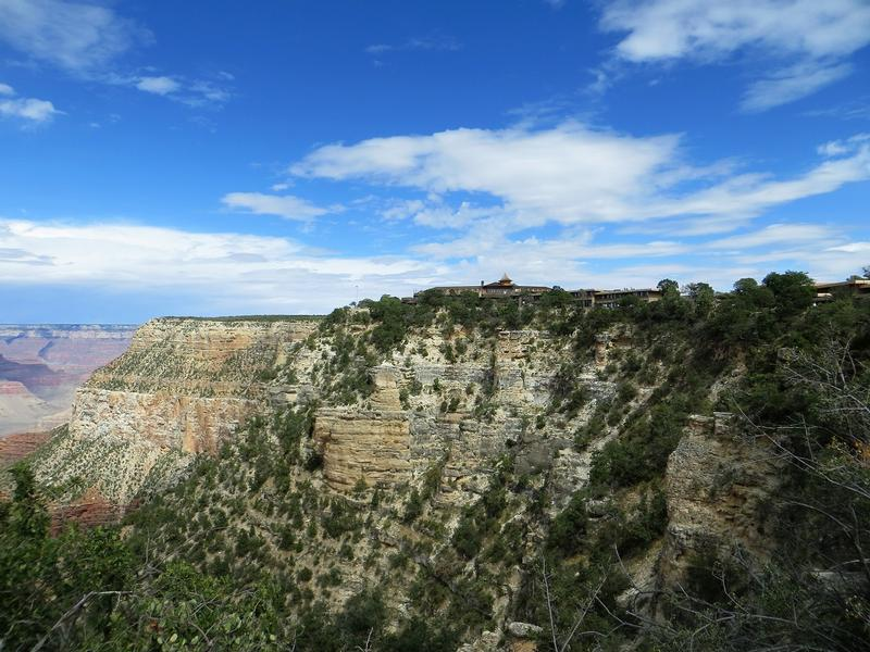 El Tovar Hotel on the South Rim - Grand Canyon - History's Homes
