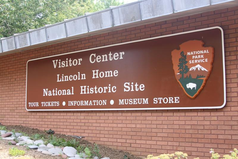 Lincoln House National Park sign - Springfield - History's Homes