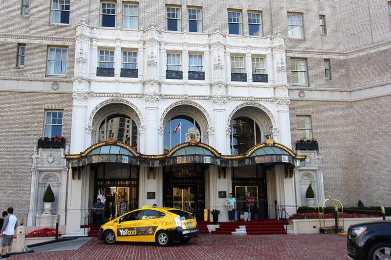 Mark Hopkins Hotel from entrance - San Francisco - History's Homes