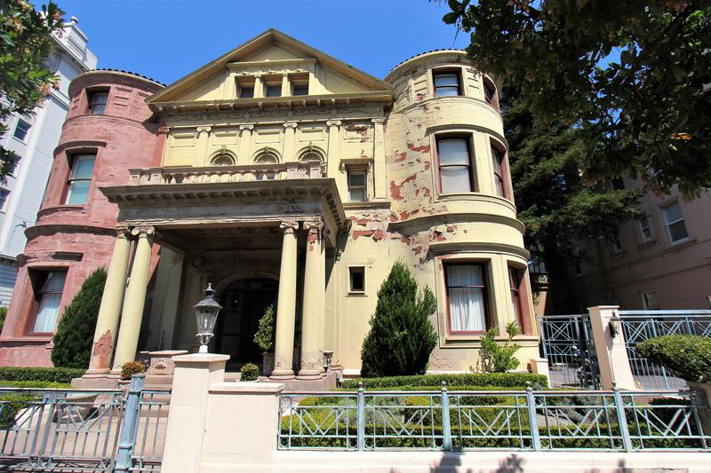Whittier Mansion front view - San Francisco - History's Homes