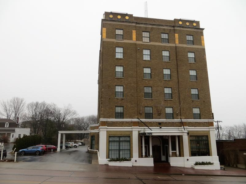 Landmark Inn - Marquette - History's Homes