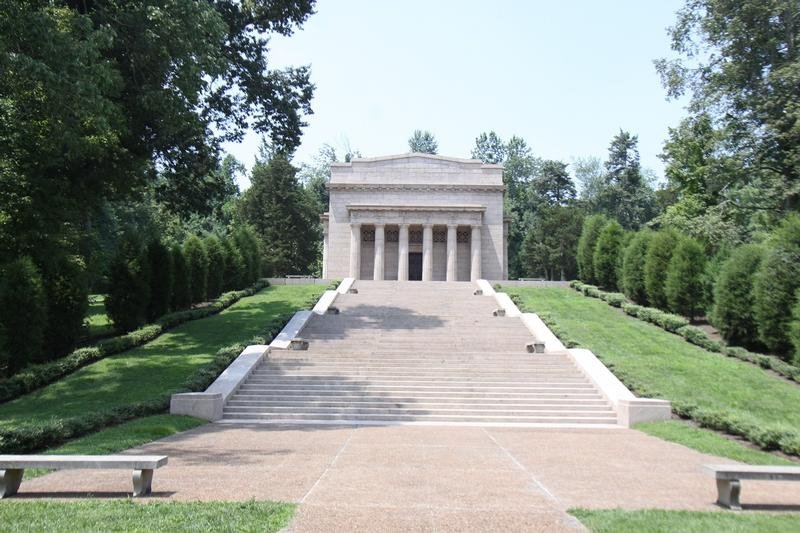 Abraham Lincoln Birthplace memorial - History's Homes