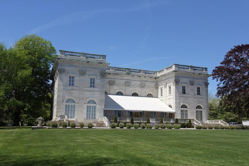 Marble House back yard - Newport - History's Homes