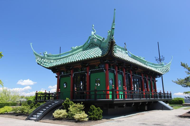 Marble House Teahouse - Newport - History's Homes