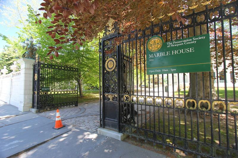 Marble House fron gate - Newport - History's Homes