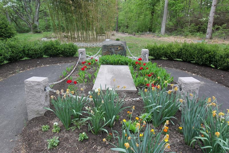 Pearl S. Buck grave - PA - History's Homes
